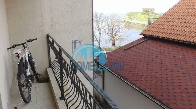 Недорогая квартира на первой линии моря в Царево 7
