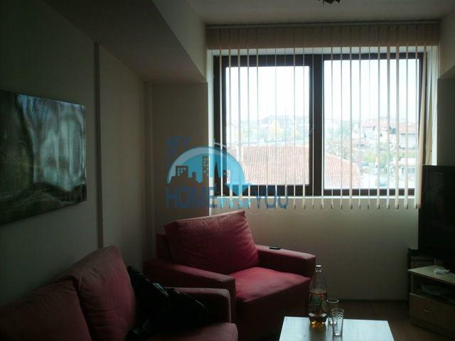 Трехкомнатная квартира в жилом доме в горах Банско