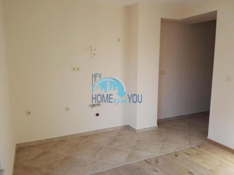 Просторная студия в новом жилом элитном доме в Поморие 4