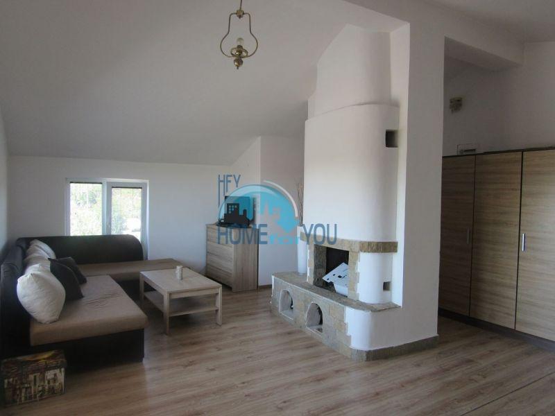 Добротный трехэтажный дом для постоянного проживания в селе Пирне 5