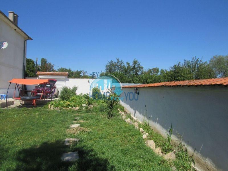 Добротный трехэтажный дом для постоянного проживания в селе Пирне 3