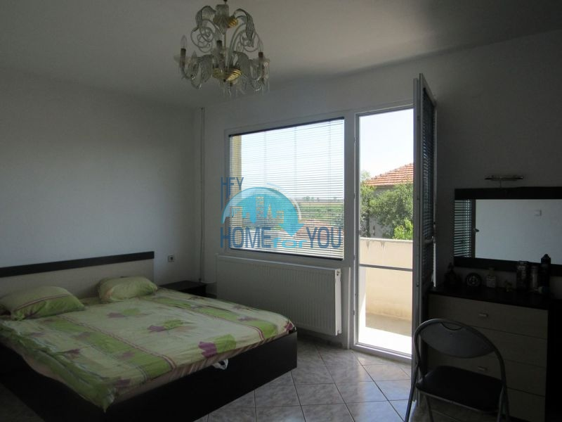 Добротный трехэтажный дом для постоянного проживания в селе Пирне 11