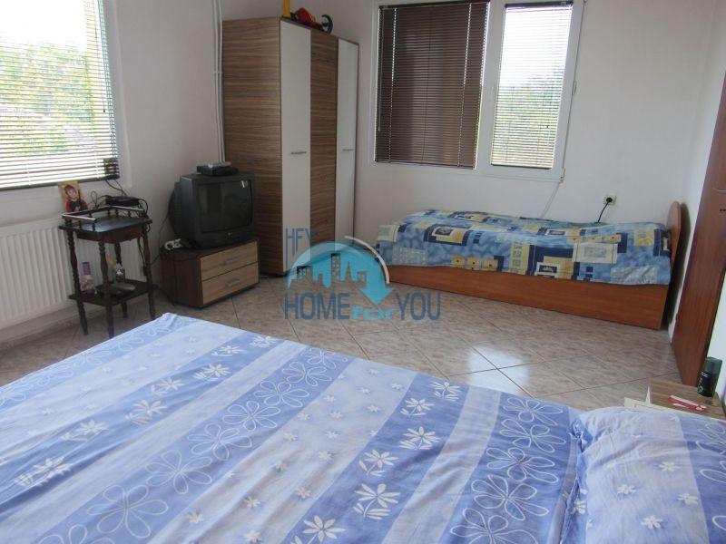 Добротный трехэтажный дом для постоянного проживания в селе Пирне 14