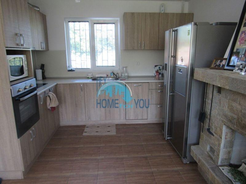 Добротный трехэтажный дом для постоянного проживания в селе Пирне 7