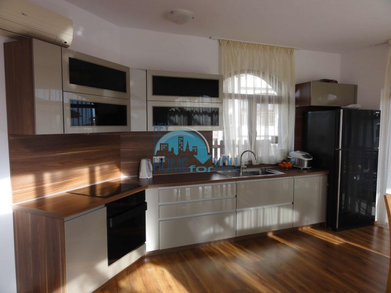 Капитальный дом для ПМЖ с видом на море в 15 минутах от Бургаса 4