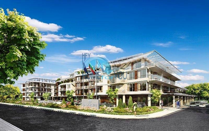 Sky Gardens - квартиры на первой линии моря в Лозенеце