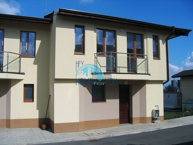Продажа двухэтажного дома в комплексе в городе София