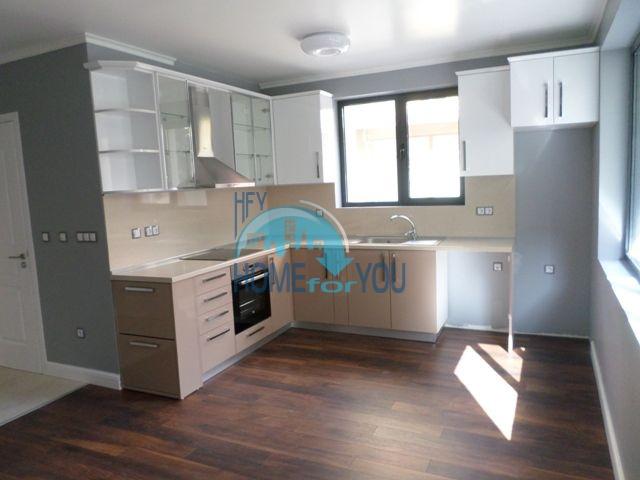 Квартира по доступной цене в жилом доме в Поморие