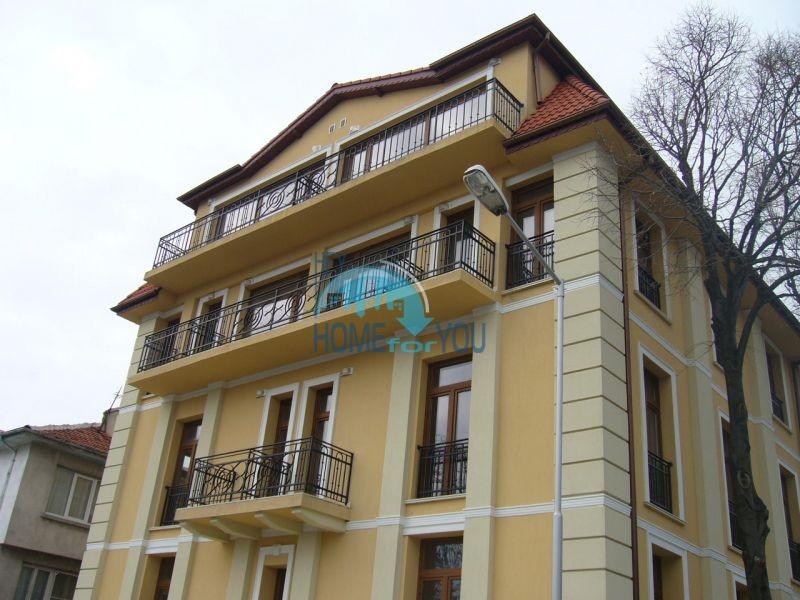 Апартаменты для продажи в жилом доме в центре курорта Царево, Болгария