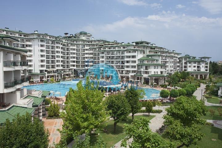 Комплекс Emerald Beach Resort and SPA на первой линии в Равде
