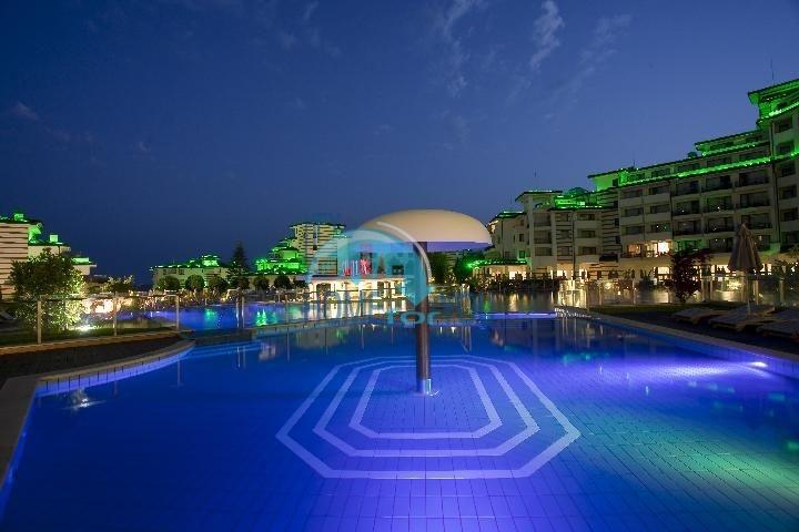 Комплекс Emerald Beach Resort and SPA на первой линии в Равде 4