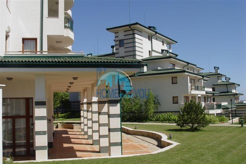 Комплекс Emerald Beach Resort and SPA на первой линии в Равде 12