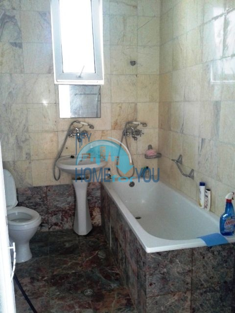 Трехэтажный меблированный дом для продажи у моря в Черноморец 10