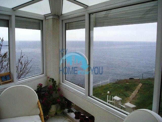Трехэтажный меблированный дом для продажи у моря в Черноморец 13