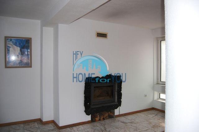 Трехэтажный меблированный дом для продажи у моря в Черноморец 18