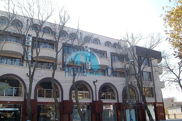 Апартаменты и студии для продажи в новом жилом здании в центре курорта Приморско 3