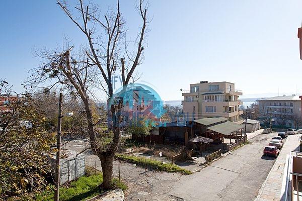 Апартаменты и студии для продажи в новом жилом здании в центре курорта Приморско 4