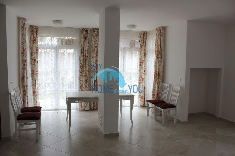 Двухкомнатная квартира на первой линии в г. Черноморец 16