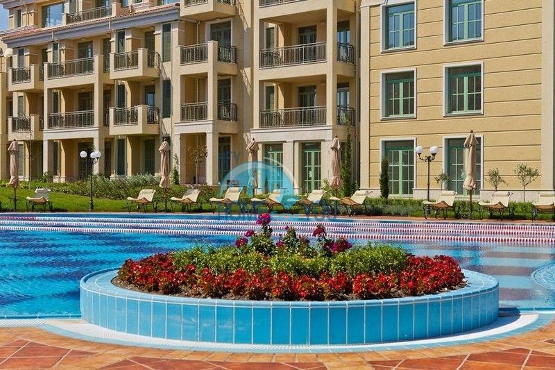 Двухкомнатная квартира на первой линии в г. Черноморец 9