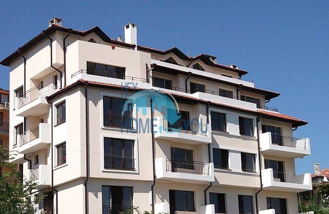 Двухкомнатная квартира для продажи в 150 м от моря в Царево 2