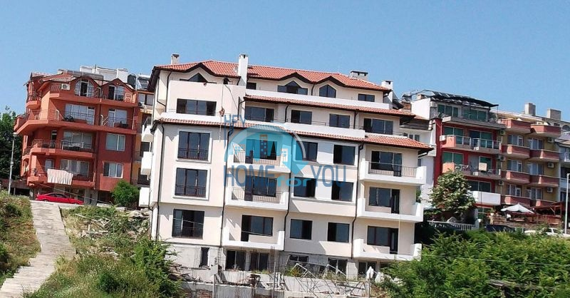 Двухкомнатная квартира для продажи в 150 м от моря в Царево 4