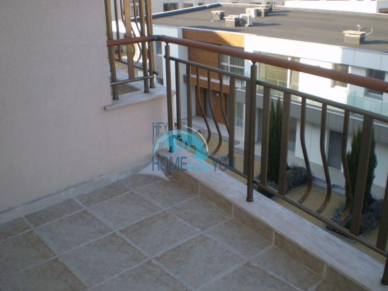 Двухкомнатная квартира на первой линии моря в Сарафово 10