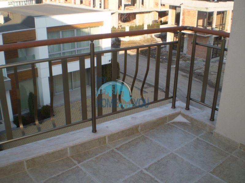 Двухкомнатная квартира на первой линии моря в Сарафово 11