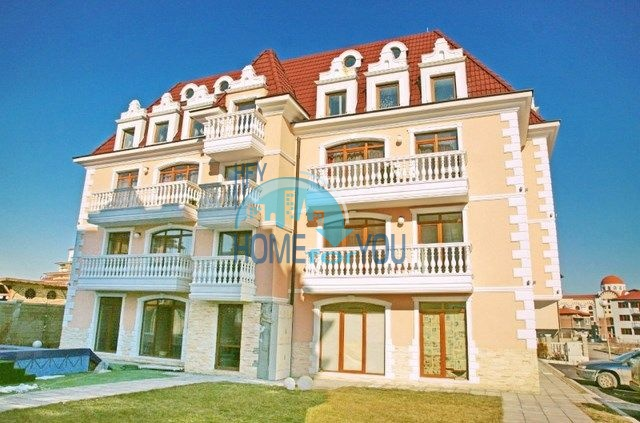Продажа двухуровневых квартир в комплексе Аристократ