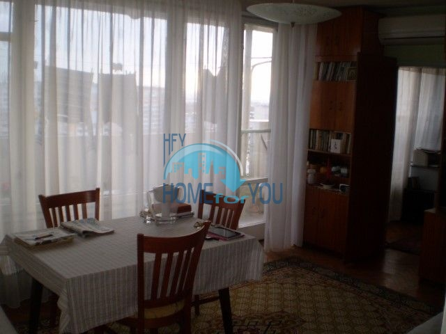 Четырехкомнатная квартира у моря в городе Бургас, квартал Лазур
