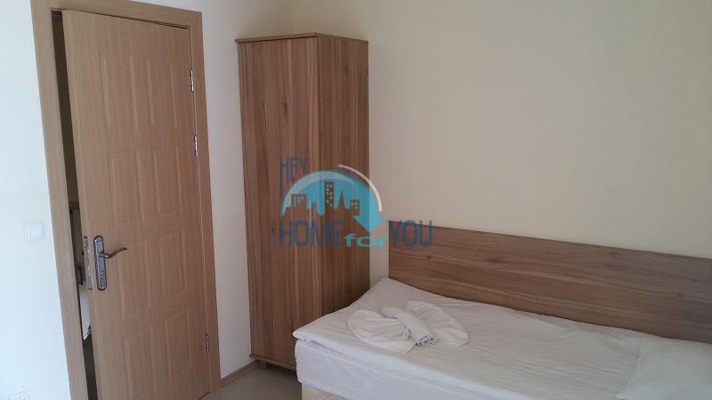 Просторная трехкомнатная квартира на первой линии в Черноморце 12