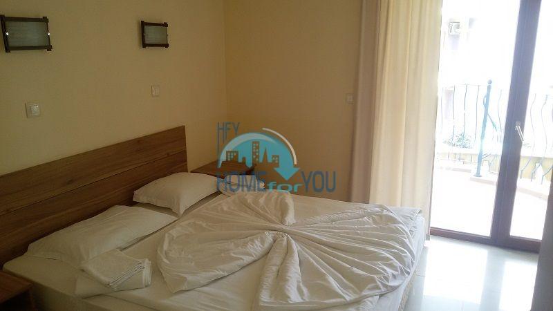 Просторная трехкомнатная квартира на первой линии в Черноморце 14