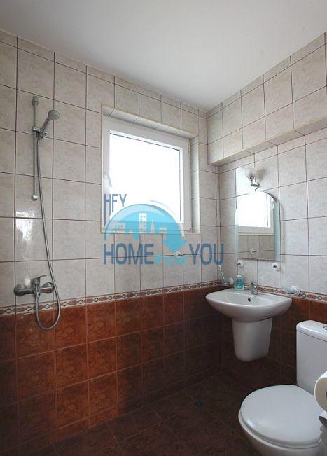 Трехэтажный меблированный дом с видом на море в Черноморце 10
