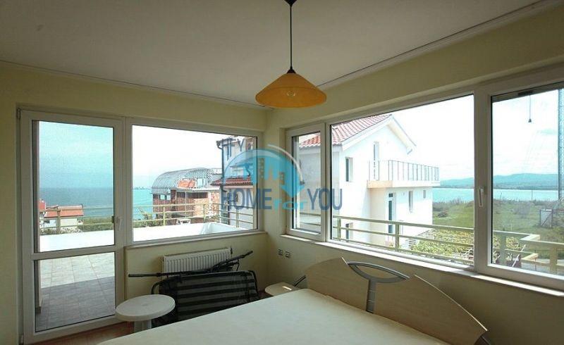 Трехэтажный меблированный дом с видом на море в Черноморце 12