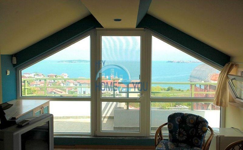 Трехэтажный меблированный дом с видом на море в Черноморце 13