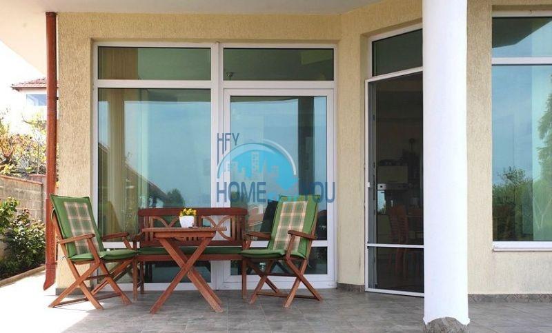 Трехэтажный меблированный дом с видом на море в Черноморце 4