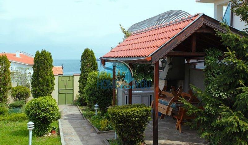 Трехэтажный меблированный дом с видом на море в Черноморце 5