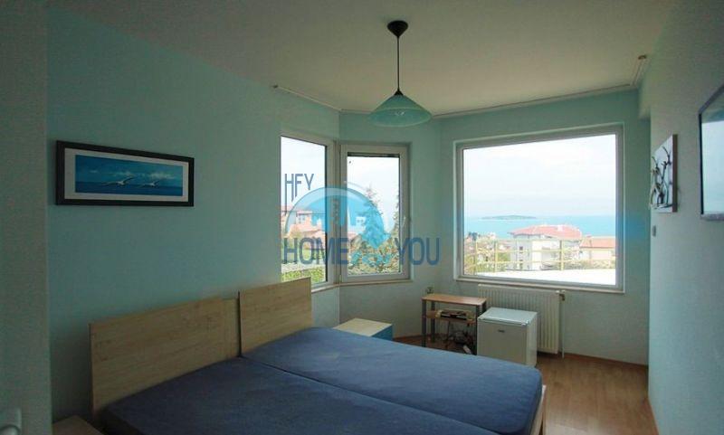 Трехэтажный меблированный дом с видом на море в Черноморце 7