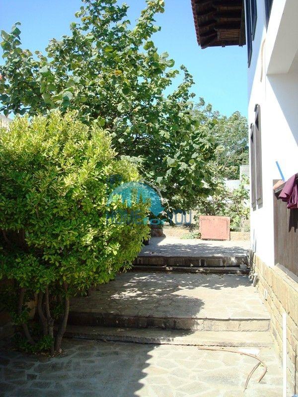 Меблированный двухэтажный дом у моря в курорте Черноморец 11