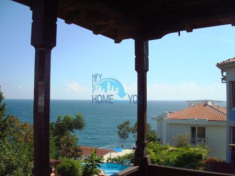 Меблированный двухэтажный дом у моря в курорте Черноморец 27
