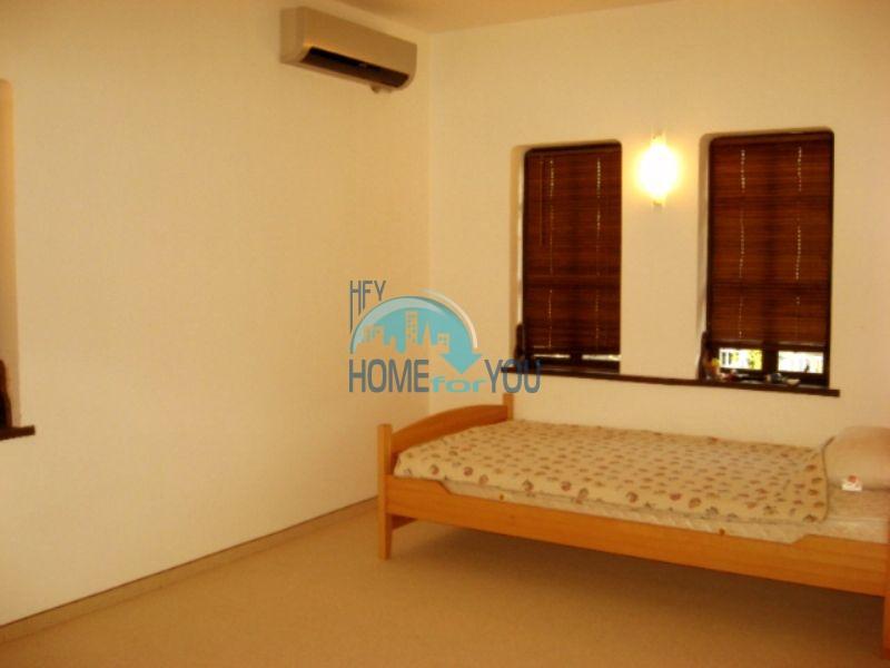 Меблированный двухэтажный дом у моря в курорте Черноморец 30