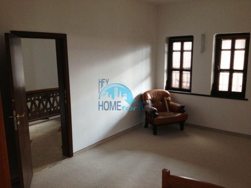 Меблированный двухэтажный дом у моря в курорте Черноморец 33