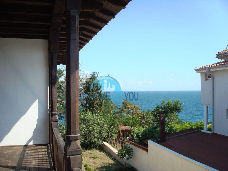 Меблированный двухэтажный дом у моря в курорте Черноморец 40