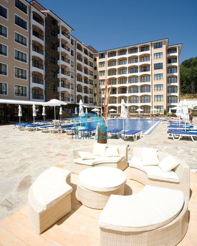 Трехкомнатная квартира на курорте Золотые пески 3