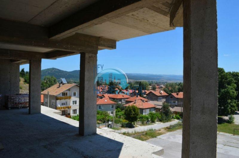 Недорогие квартиры и студии в Велинграде 11
