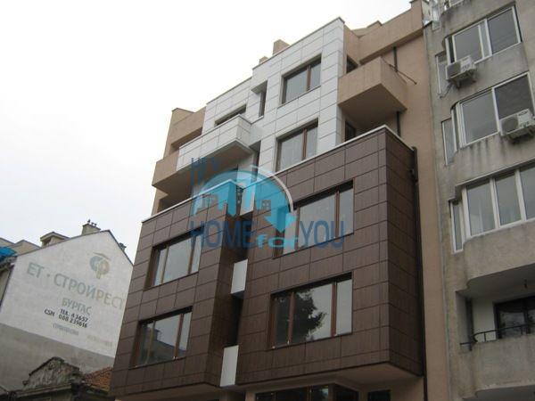 Офис недвижимость в г. Бургас - помещение в центре 3