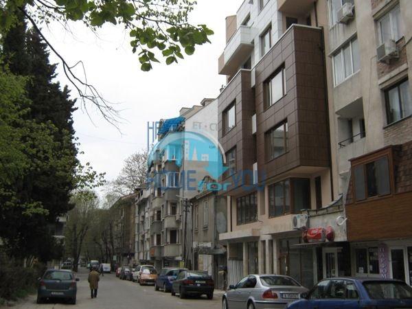Офис недвижимость в г. Бургас - помещение в центре 2