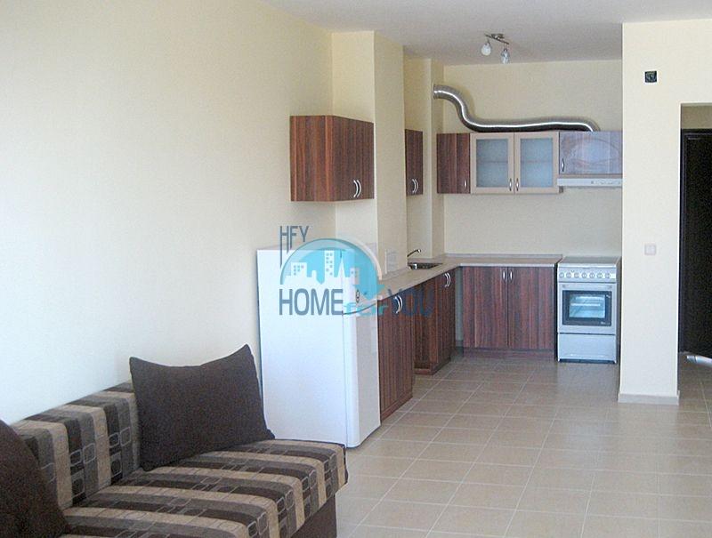Недвижимость в курорте Приморско - жилой комплекс в 100 м от моря 8