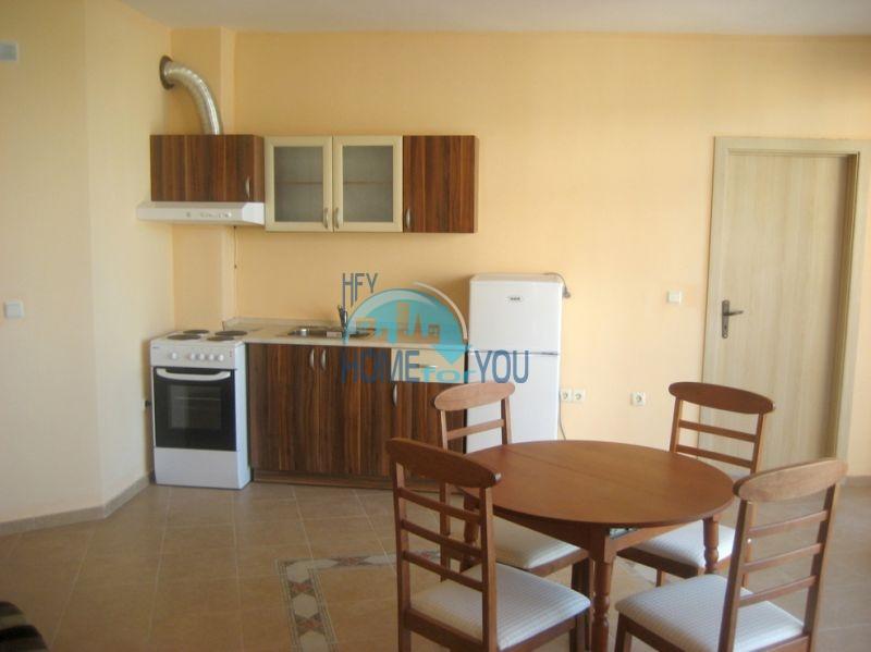 Недвижимость в курорте Приморско - жилой комплекс в 100 м от моря 9