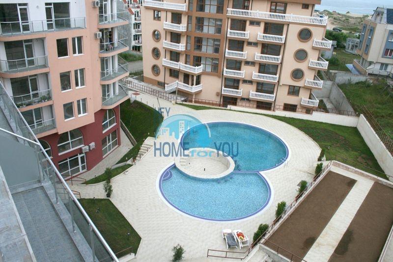 Недвижимость в курорте Приморско - жилой комплекс в 100 м от моря 2