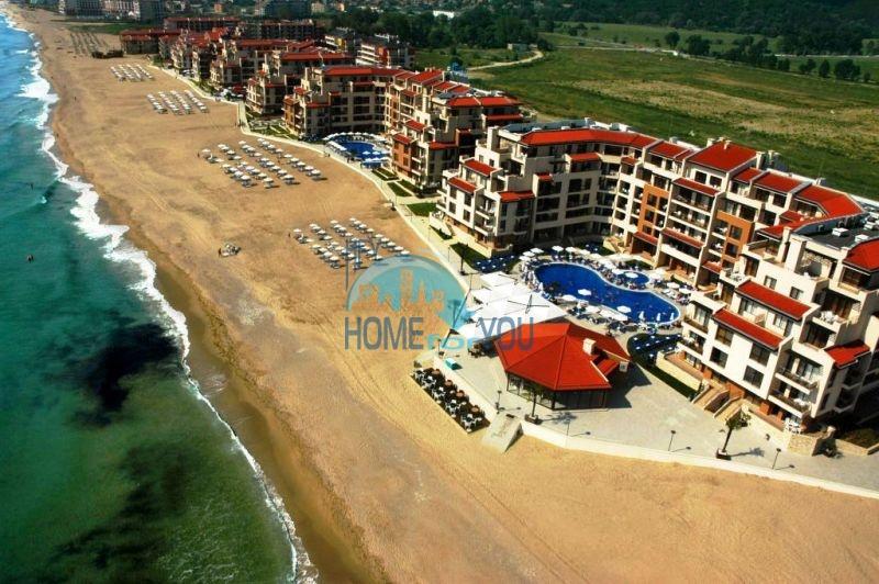 Продаются квартиры на первой линии моря в Обзор Бийч Резорт 15
